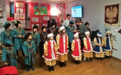 ANKONA: Pierwsze święta Bożego Narodzenia w auli Anders i wspólna wystawa prac dzieci z Ma
