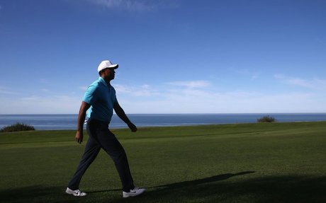 "NO COACH, ""RELYING ON FEEL,"" WOODS TAKES THE PATH OF PROS OF THE PAST"