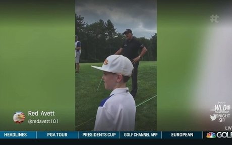 MICKELSON TAKES ADVICE FROM KID IN GALLERY