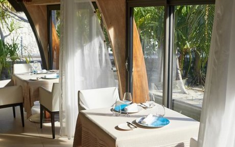 The gourmet restaurant in the Pacific, in the heart of the island of Marlon B