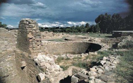 Pueblo Politics