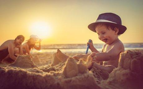 Een dagje naar het strand met een dreumes #Gastblog - WIJ à la Mama