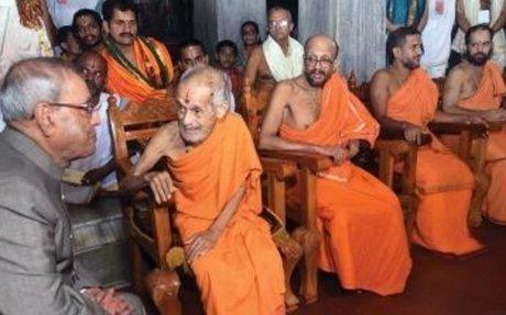 Karnataka: Work in rural areas, Pranab Mukherjee tells doctors