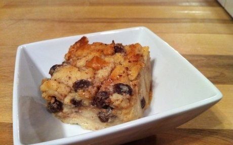 Old-Fashioned Bread Pudding With Raisins | Vintage Cooking