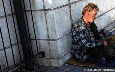 Faut-il donner de l'argent aux sans-abris ?