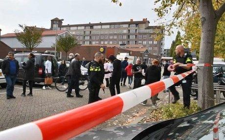 Auto onder vuur genomen op parkeerplaats supermarkt: 'Veel mensen zijn overstuur'