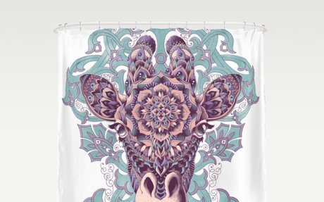 Giraffe (Color Version) Shower Curtain