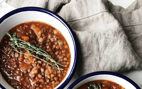 Laura's cozy lentil soup - Diala's Kitchen