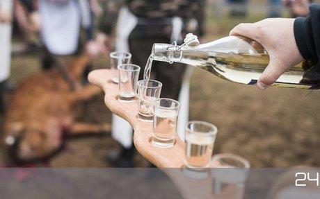 70 milliós segítséget kapott a Pálinka Nemzeti Tanács a 800 ezer alkoholista országában