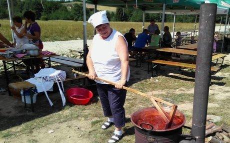 Ételeket, pálinkákat díjaztak az Oroszhegyi Szilvanapokon