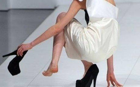 Strategi Gunakan High Heels Supaya Terhindar dari Cedera serta Sakit Otot