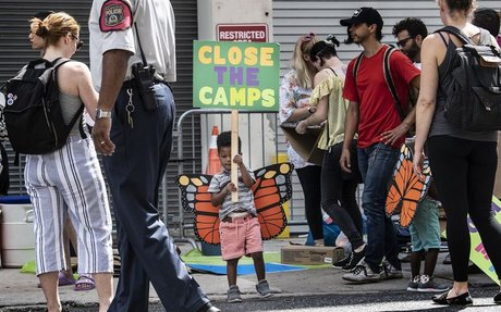 Children hold playdate protest at Philly ICE office