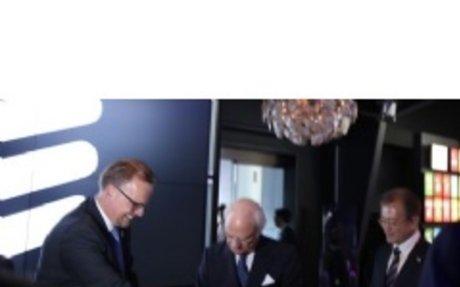 Korean President and Swedish Monarch celebrate eSports match at Ericsson Studio