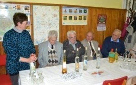 A köllmég ízű kertbarátos pálinka   Promenád.hu - a vidék hírportálja