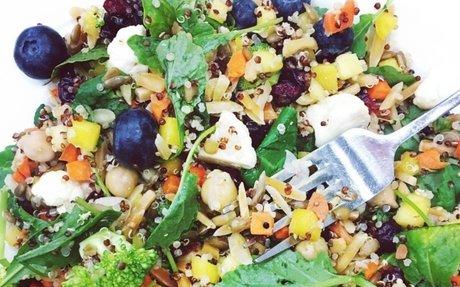 """Quinoa Veggie """"Detox"""" Salad"""