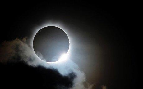 Coffee shop chain recalls solar eclipse glasses