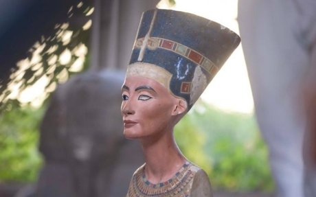 Egypt's lost Queen Nefertiti may lie concealed in King Tut's tomb