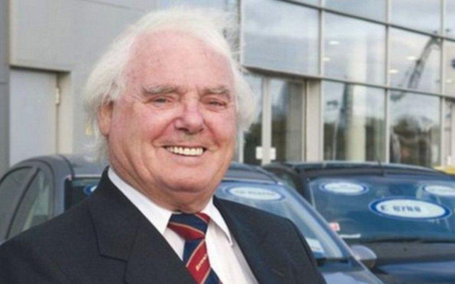 LISTEN: Billionaire motoring tycoon Sir Arnold Clark dies aged 89