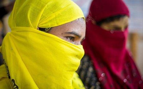 يتيمات من الروهينغا يواجهن مشقات اللجوء في بنغلاديش