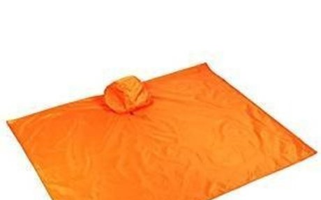 Amazon.com: Beach Blankets, Multifunction Raincoat, Picnic Blanket with Tote Pouch & 4 Sta
