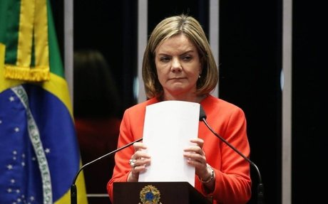 Isolado, PT discute anunciar vice de candidatura de Lula à Presidência