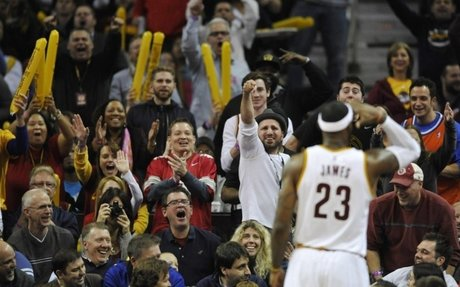 Cavs fans forgive LeBron for leaving 5 years ago