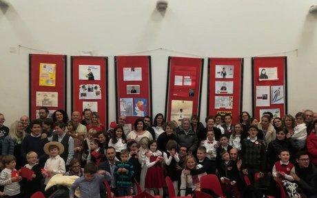 """""""Sławni Polacy"""" tematem wystawy w Maceracie: Szkoła Anders świętuje Boże Narodzenie w setn"""