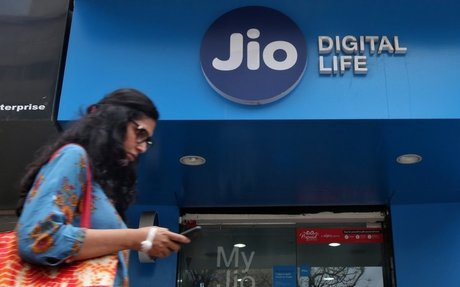 Heavy job cuts in telecom sectors; Reliance Jio comes to rescue