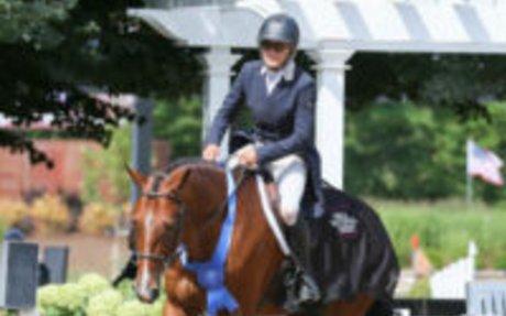 Hunters: Holly Shepherd & Jerez Mail Dominate $5K USHJA National Hunter Derby at Equifest