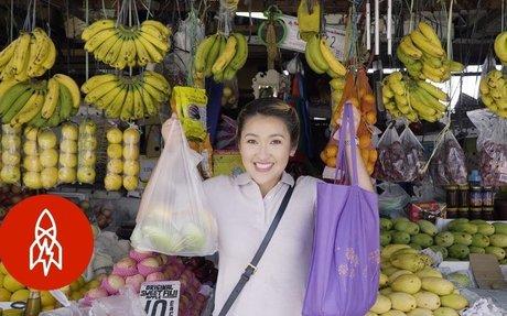 Boodle Fight: The Filipino Feast Feeding Hundreds