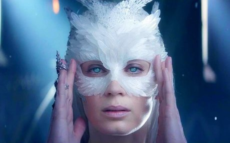 Sia - Freeze You Out (Music Video)