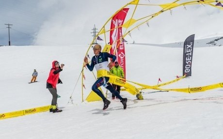 Karl Egloff obtiene el récord mundial al escalar la montaña más alta de Europa  Impacto: