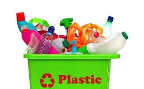 #6. In 1905 Leo Baekeland creates plastic