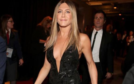 'Jennifer Aniston is pregnant,' claims Paris Hilton's mother after Oscars