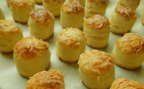 Retro sajtos pogácsa