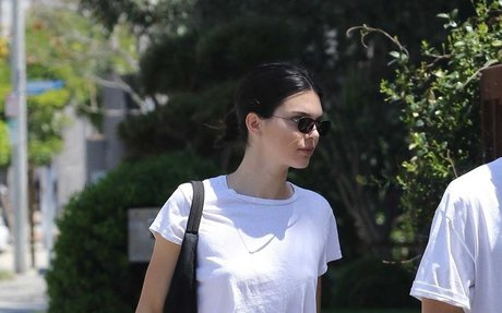 Kendall Jenner Proves There Is Life Beyond the Skinny Jean