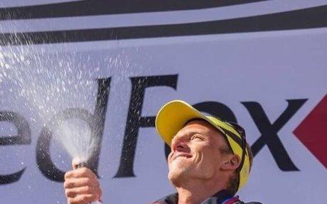 Karl Egloff, miembro del Movistar Aventura Team, es el vencedor del Elbrus Sky Marathon
