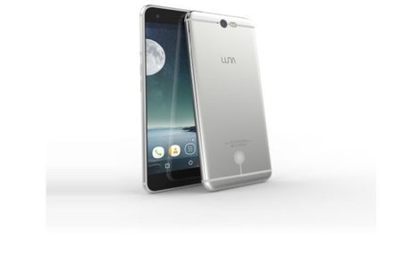 Luna Unlocked Smartphone