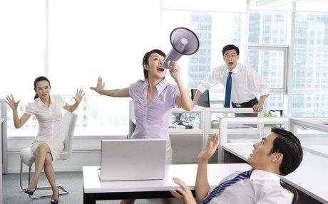 "22/06/2015 - Madame Figaro - Madame Network : ""comment bien utiliser sa voix au travail"""