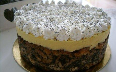 A legfinomabb karácsonyi desszert, mákosguba torta madártej krémmel