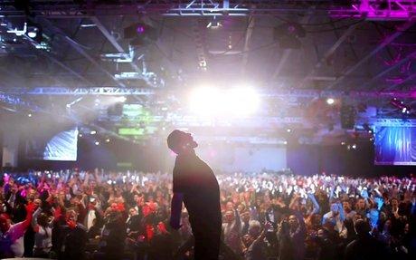 Tony Robbins - The Official Website of Tony Robbins