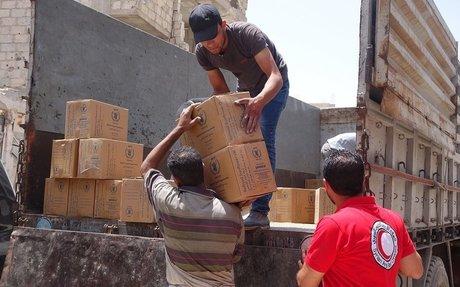 مساعدات إنسانية تدخل إلى زبدين ودير العصافير