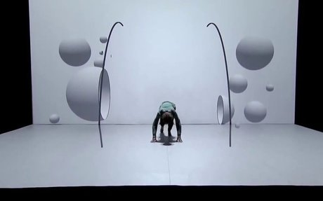 Amazing Dance and Video Mapping Performance