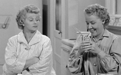 I Love Lucy Video - Lucy Thinks Ricky Is Trying To Murder Her