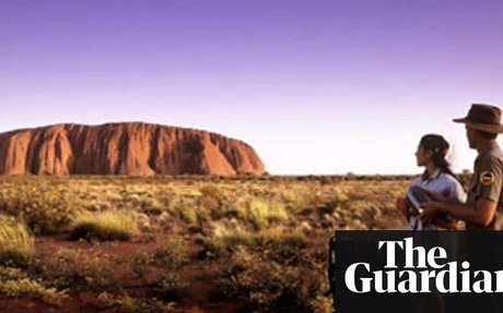 Aborigines threaten to ban tourists from Uluru