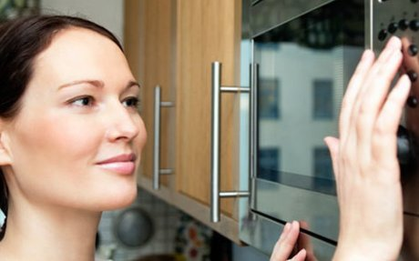 5 Myths and Facts About Your Microwave