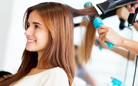 This Place Offers Best Hair Fall Treatment for Women