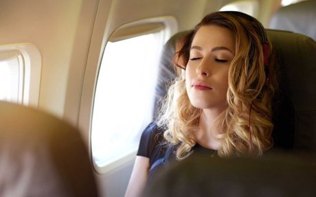 How to relax before a flight in a minute or less