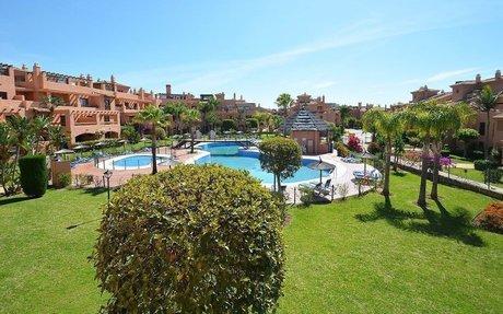 Hacienda del Sol ved Estepona - stilig leilighet i et meget flott kompleks! (R2286293)
