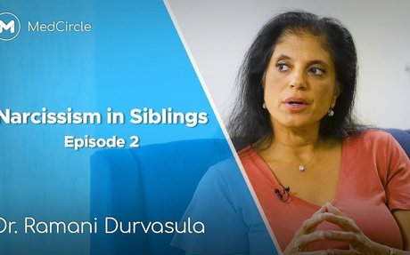 Narcissism in a Sibling [How to Spot the Signs]